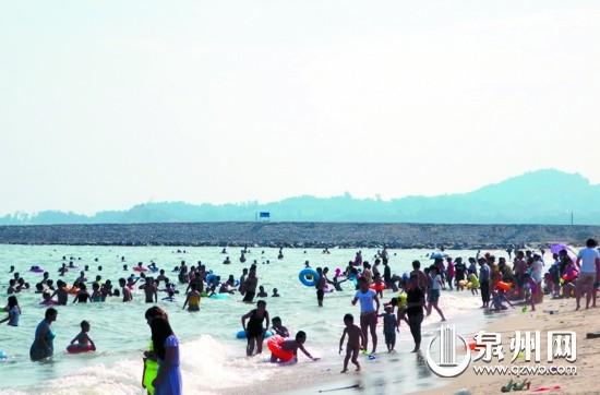 文/图)前日下午,惠安东岭镇26岁的小伙张某独自一人到惠安县山霞镇