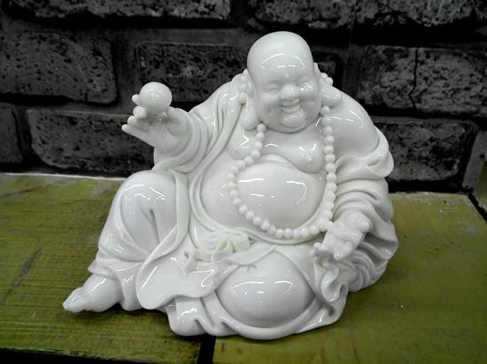 """吸泥塑木雕石刻各技之长 """"半路出家""""的德化陶瓷大师"""