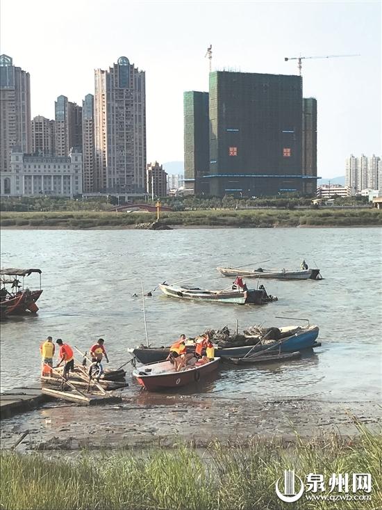 晋江陈埭:四少年夜晚海边抓螃蟹落水 一人身亡一人失踪