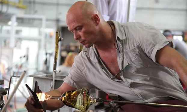 (国际)(1)探访捷克摩瑟水晶制作厂