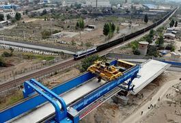 (经济)(1)新建太焦铁路河南段进入架梁施工阶段